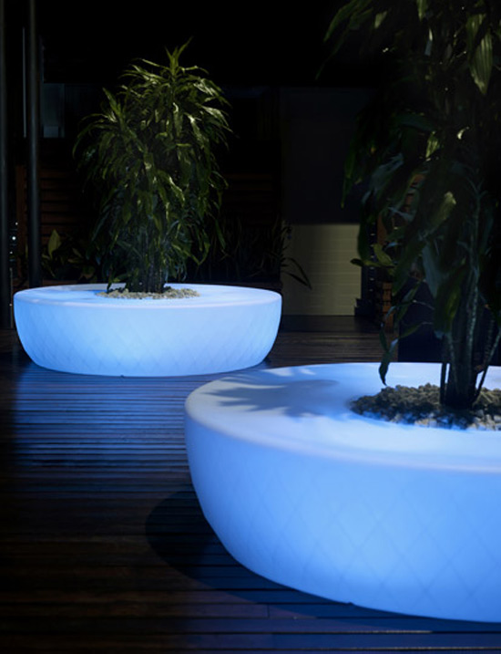 garden pots with outdoor LED lighting